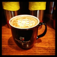 Photo taken at Gloria Jean's Coffees by Bayan B. on 1/10/2013