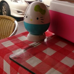 Photo taken at Lemon House De Little Chef 檸檬屋 by Livlee C. on 8/20/2014