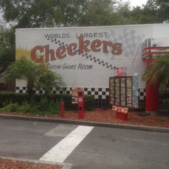 Photo taken at Checkers Drive-In Restaurant by Geoff on 3/7/2015