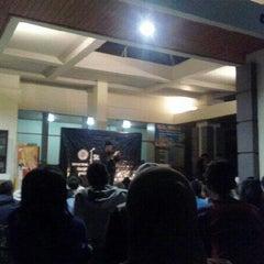 Photo taken at Fakultas Kedokteran Hewan by Yog I. on 9/21/2012