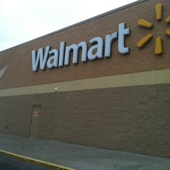Photo taken at Walmart Supercenter by Lisa D. on 2/2/2013