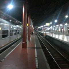 Photo taken at Stasiun Yogyakarta Tugu by Zainuri H. on 3/17/2013