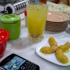 Photo taken at Babura Dimsum & Steamboat by Fenny W. on 2/23/2013