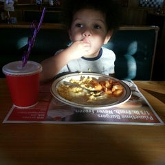 Photo taken at Frisch's Big Boy by Rose J. on 6/29/2013