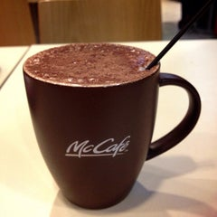Photo taken at McDonald's & McCafe by Tang Y. on 7/6/2013