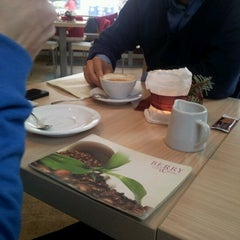 Photo taken at Berry Coffee & More by Frau S A. on 12/9/2012