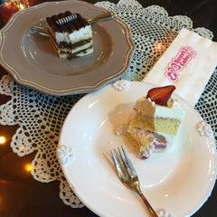 Photo taken at Sweet Cake by lluu ➡. on 1/6/2015