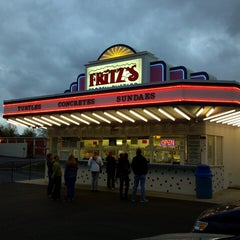 Photo taken at Fritz's Frozen Custard by Vince L. on 4/27/2013