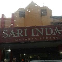 Photo taken at Sari Indah Restoran by Ryan J. on 4/19/2014