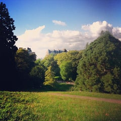 Photo taken at Parc des Buttes-Chaumont by Nicola on 10/1/2012