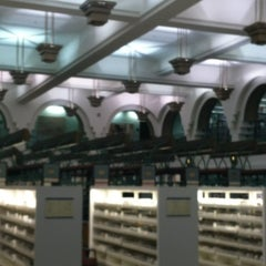 Photo taken at Beverly Hills Public Library by Kenna on 2/12/2013