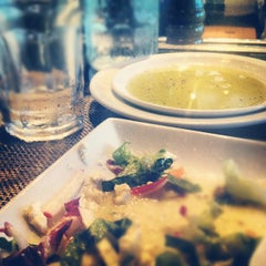 Photo taken at Romano's Macaroni Grill by Lorenzo C. on 9/28/2012