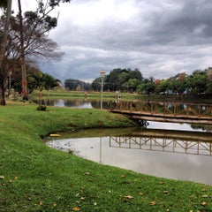 Photo taken at Lago do Holandês by Daniel B. on 9/9/2015