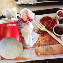 Photo taken at Wendy's by digenger on 1/5/2014