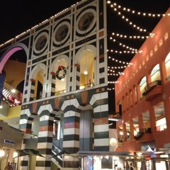 Photo taken at Westfield Horton Plaza by Brian R. on 12/10/2012
