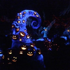 Photo taken at Haunted Mansion by Marimelle P. on 10/28/2012