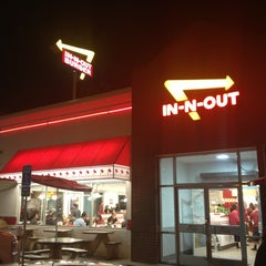 Photo taken at In-N-Out Burger by Adam on 1/19/2013