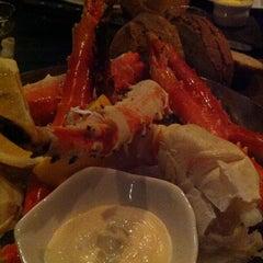 Photo taken at Kingsleys Steak & Crabhouse by Gary L. on 9/29/2012