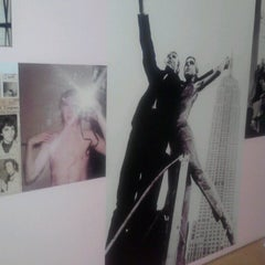 Photo taken at Andy Warhol Museum by Tarina A. on 9/15/2012