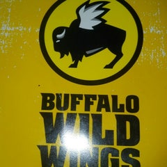 Photo taken at Buffalo Wild Wings by Darren R. on 11/18/2012