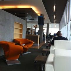 Photo taken at Salon VIP Aéroport International Jean- Lesage by Jackeline on 5/21/2013