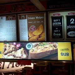 Photo prise au El Mondo Pizzeria par Eliiyan N. le8/3/2013
