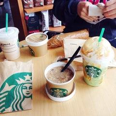 Photo taken at Starbucks by Joseph O. on 11/19/2013