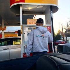 Photo taken at Shell by Tatiana F. on 1/31/2015