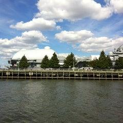 Photo taken at Circle Line Sightseeing Cruises by Dex on 9/16/2012