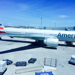 Photo taken at Gate 31 by Stef on 6/13/2015