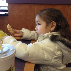 Photo taken at McDonald's by RenyaDeDulce on 1/16/2013