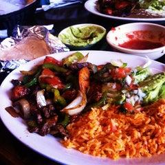 Photo taken at Los Amigos by Que R. on 5/7/2012