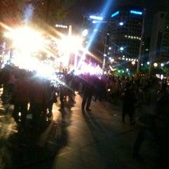 Photo taken at 보신각 (普信閣, Bosingak) by Sangwon C. on 5/19/2012
