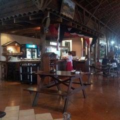 Photo taken at La Choza De Laurel by Javi L. on 9/3/2012