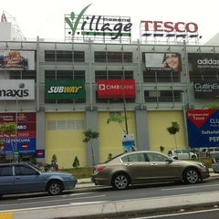 Photo taken at Tesco Hypermarket by Alan H. on 1/25/2011