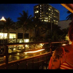 Photo taken at Genius Lounge and Sake Bar by tommy r. on 8/3/2012