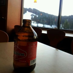 Photo taken at Foggy Goggle Bar & Grill (Stevens Pass) by Matt M. on 12/10/2011