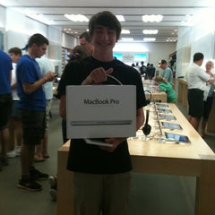 Photo taken at Apple Store, Stoneridge Mall by Judy G. on 7/6/2011