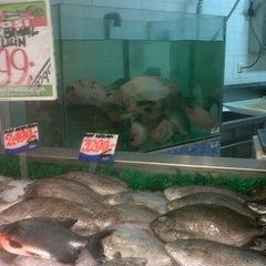 Photo taken at Giant Supermarket Tlogosari Semarang by Wiwit A. on 12/31/2011