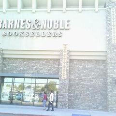 Photo taken at Barnes & Noble by E- C. on 10/1/2011