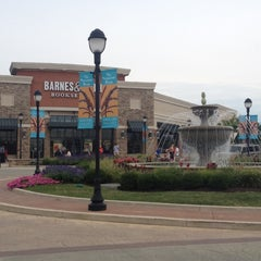 Photo taken at The Promenade Shops at Saucon Valley by Karen H. on 8/19/2012
