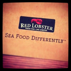 Photo taken at Red Lobster by Sarah G. on 9/8/2012