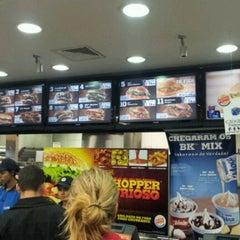 Photo taken at Burger King by Lúcio Rafael on 4/28/2012