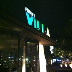 Photo taken at Funky Villa (ฟังกี้ วิลล่า) by Ichisan N. on 6/30/2012