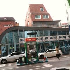 Photo taken at GS 칼텍스 직영 삼성로점 by Jieun P. on 3/9/2012