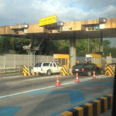 Photo taken at ทางพิเศษศรีรัช ส่วน C (Si Rat Expressway Sector C) by Achisuka J. on 6/21/2012