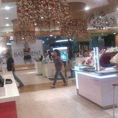 Photo taken at Falabella by Camy L. on 11/24/2012