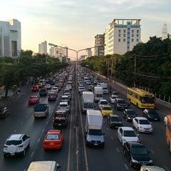 Photo taken at Ngam Wong Wan Road by Yodsawat A. on 12/8/2014