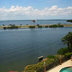 Photo taken at Holiday Inn Express & Suites Tampa/Rocky Point Island by MinTz on 6/26/2014