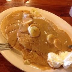 Photo taken at Flapjack Pancake House by Luis G. on 5/29/2014